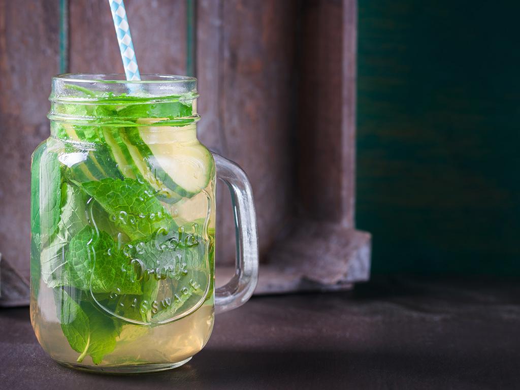 آب طعم دار سم زدای سبز